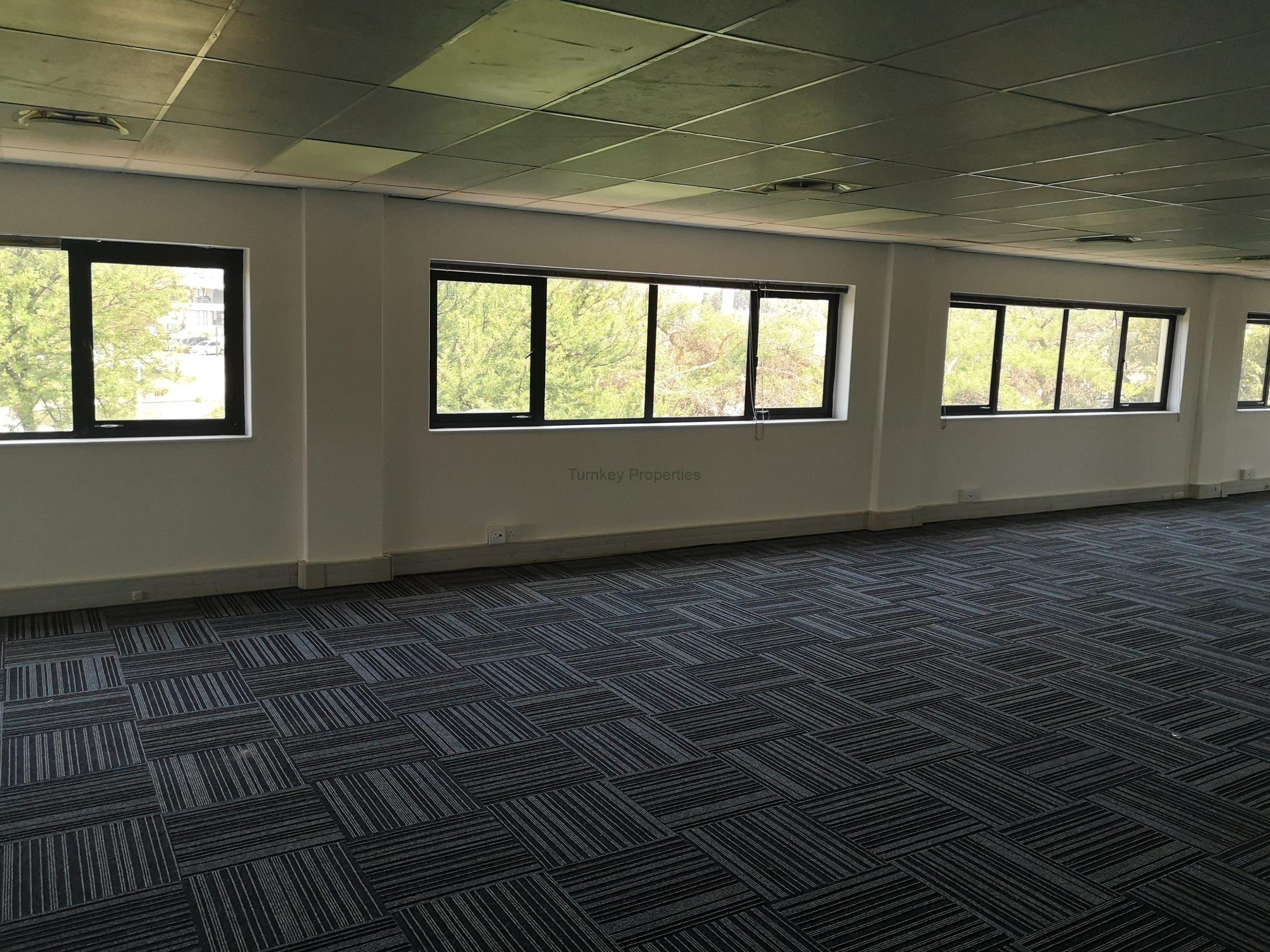 390m² office to let midrand International Business Gateway