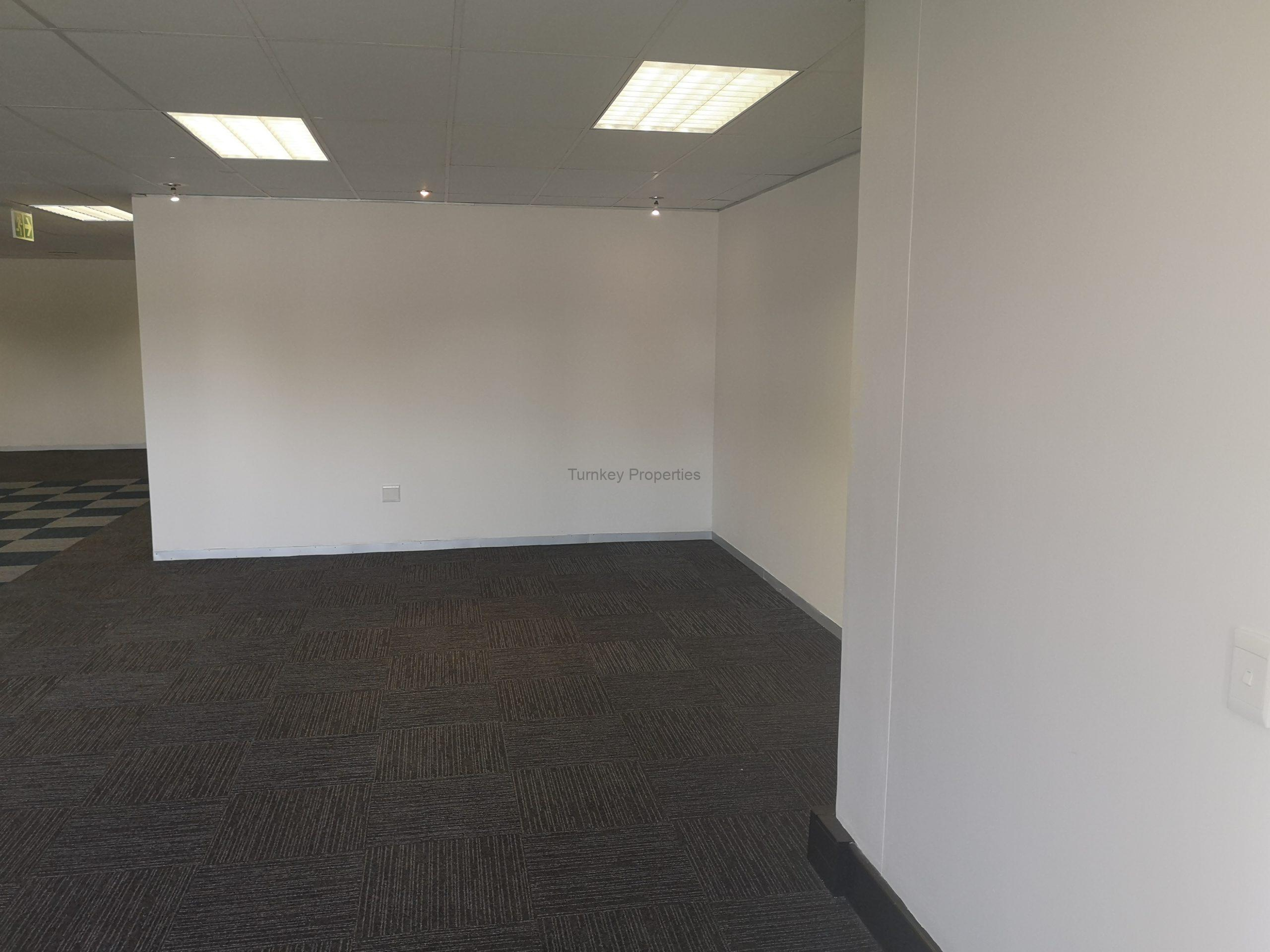 166m² office to let Clearwater office Park, Strubensvallei