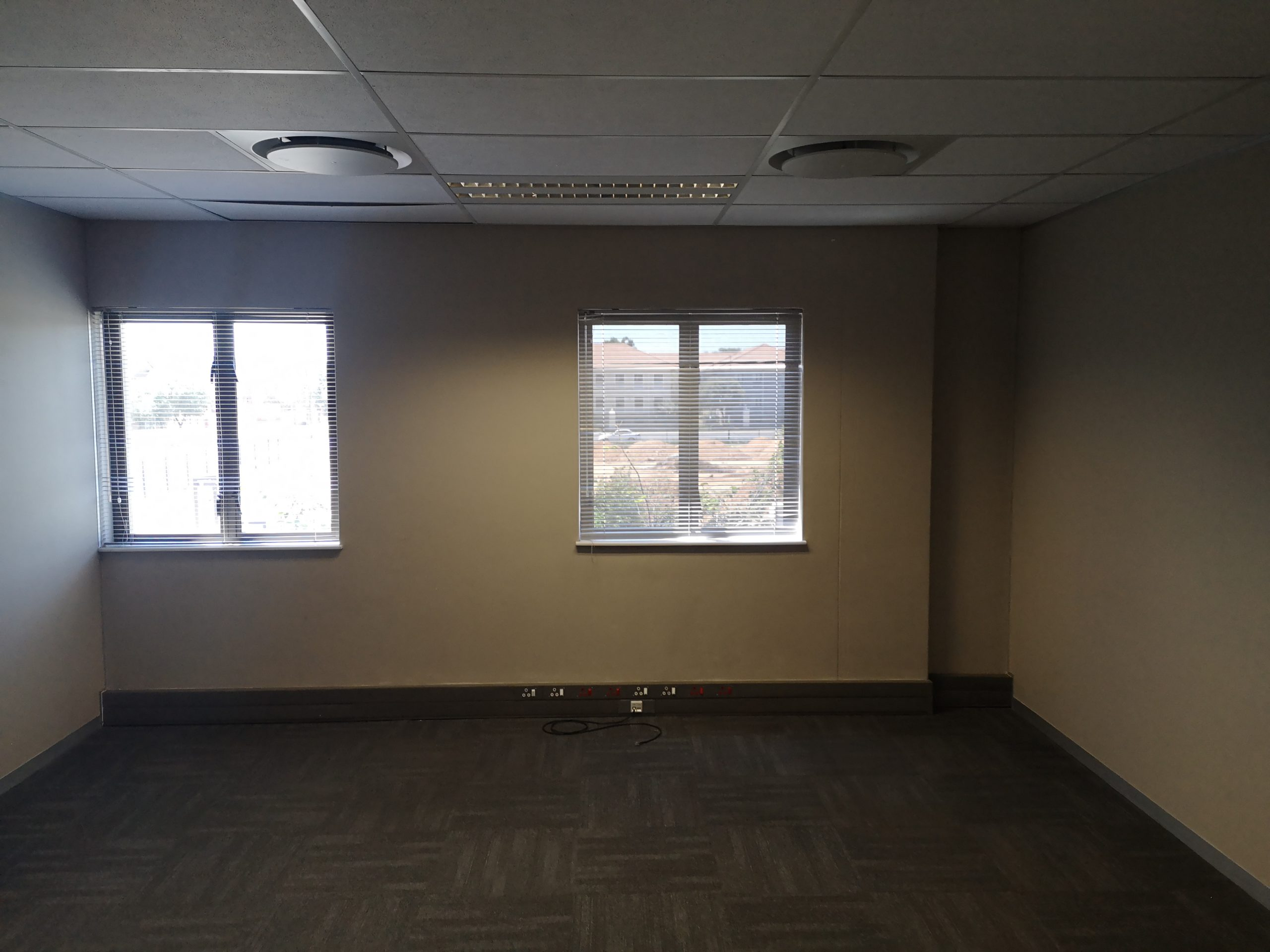 161m² office to let Hertford Office Park, Midrand.