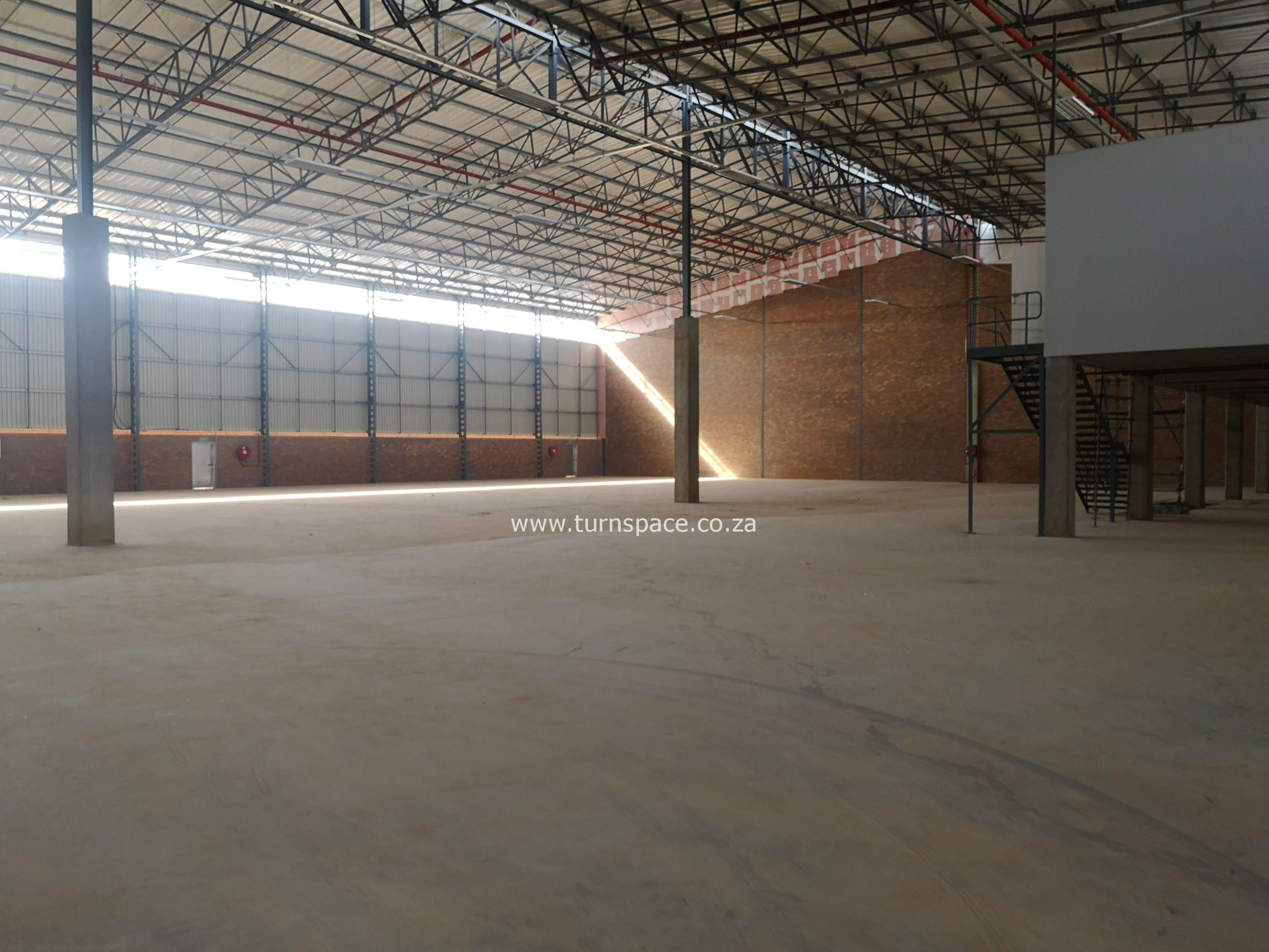 3,277m² Warehouse to Let Pomona Precinct