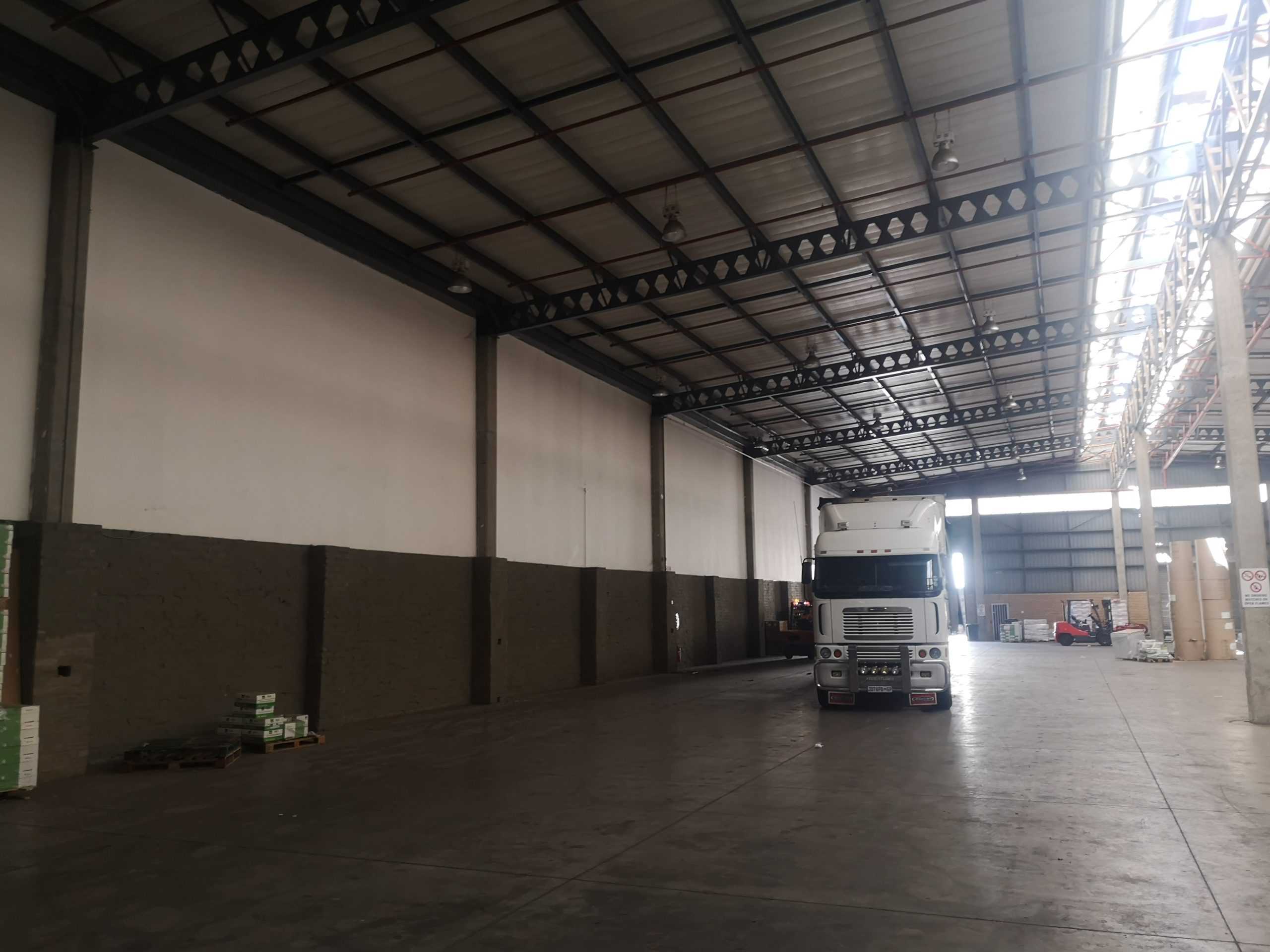 2,275 m² Warehouse to Rent Pomona Mirabel Industrial Park