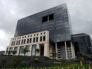 963 m² Office Space to Rent Sandton The Central