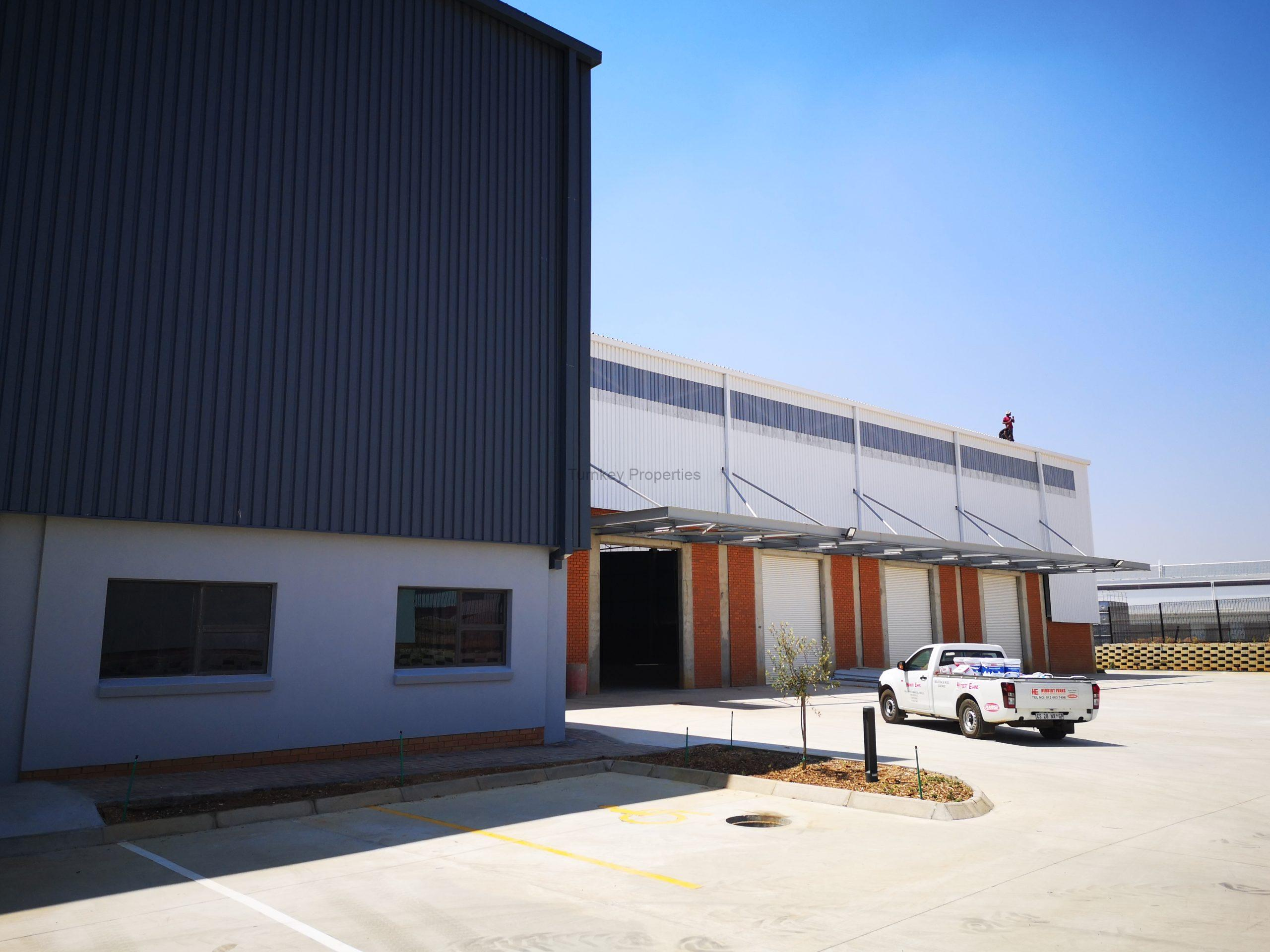 2,477 m² Warehouse to Rent Linbro Park