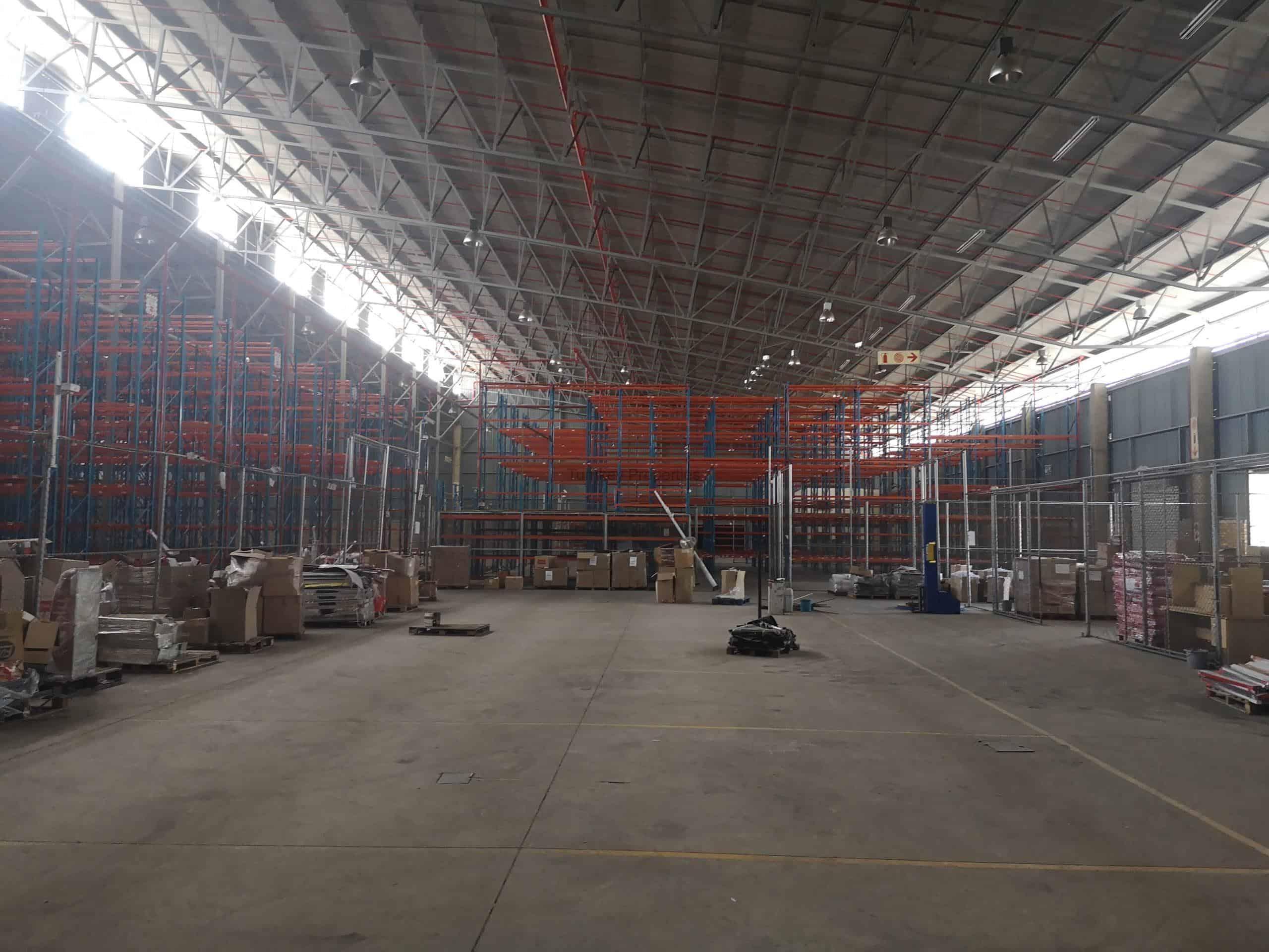 8,500 m² Warehouse to Rent Linbro Park business park
