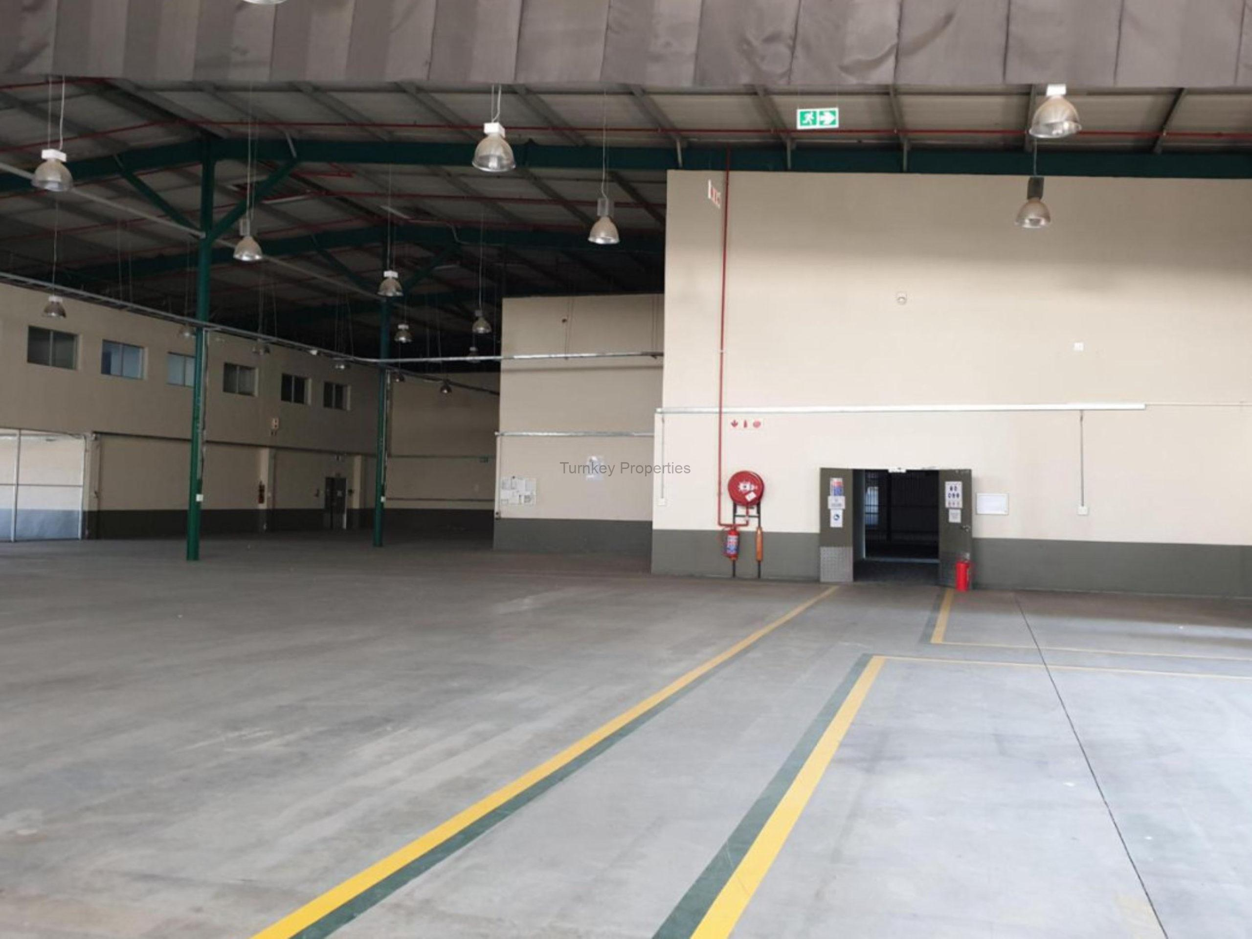 5,223 m² Industrial Property to Rent Midrand Barlow Road