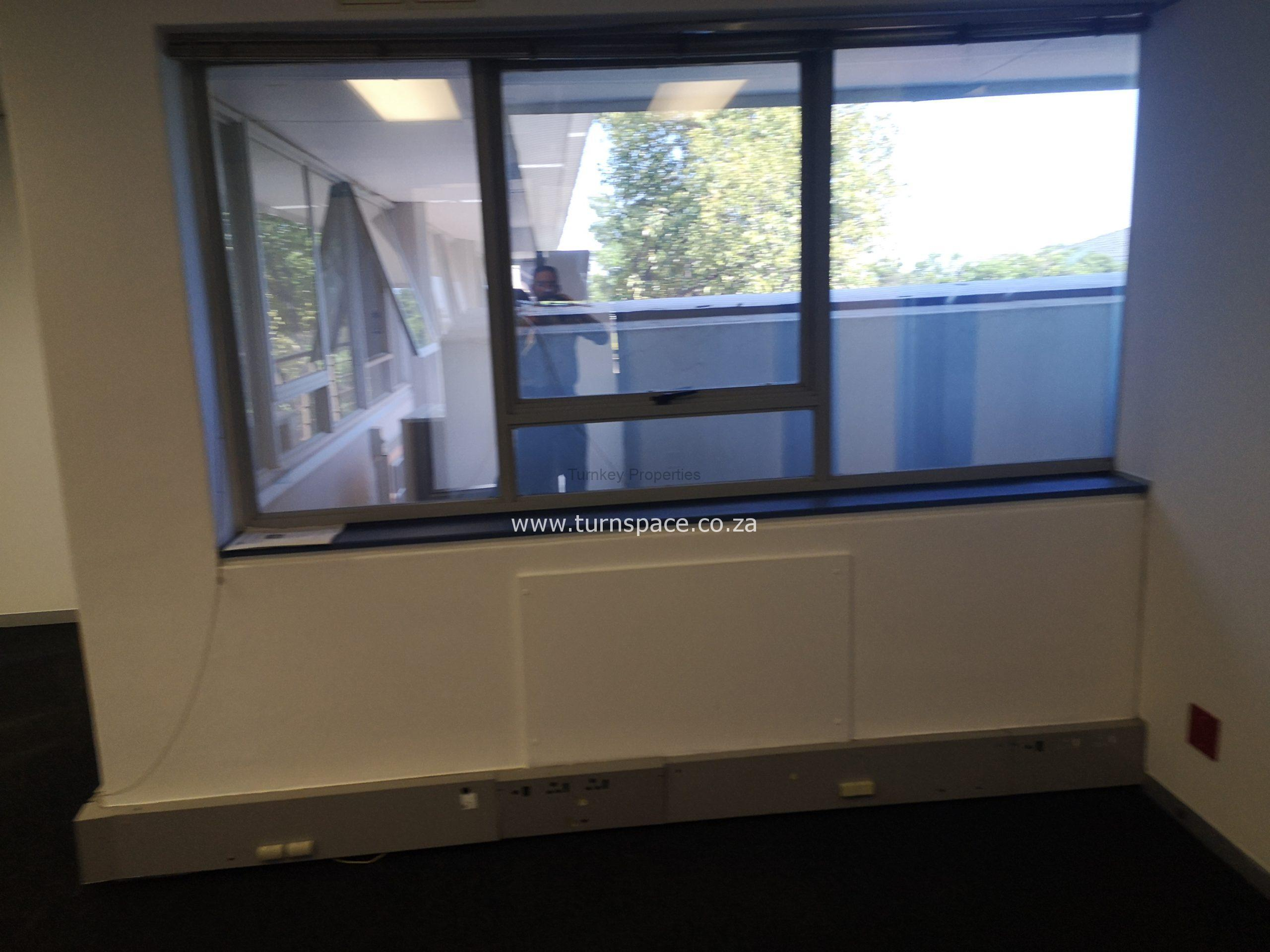 89m² Office Space to Rent Epsom Downs Office Park