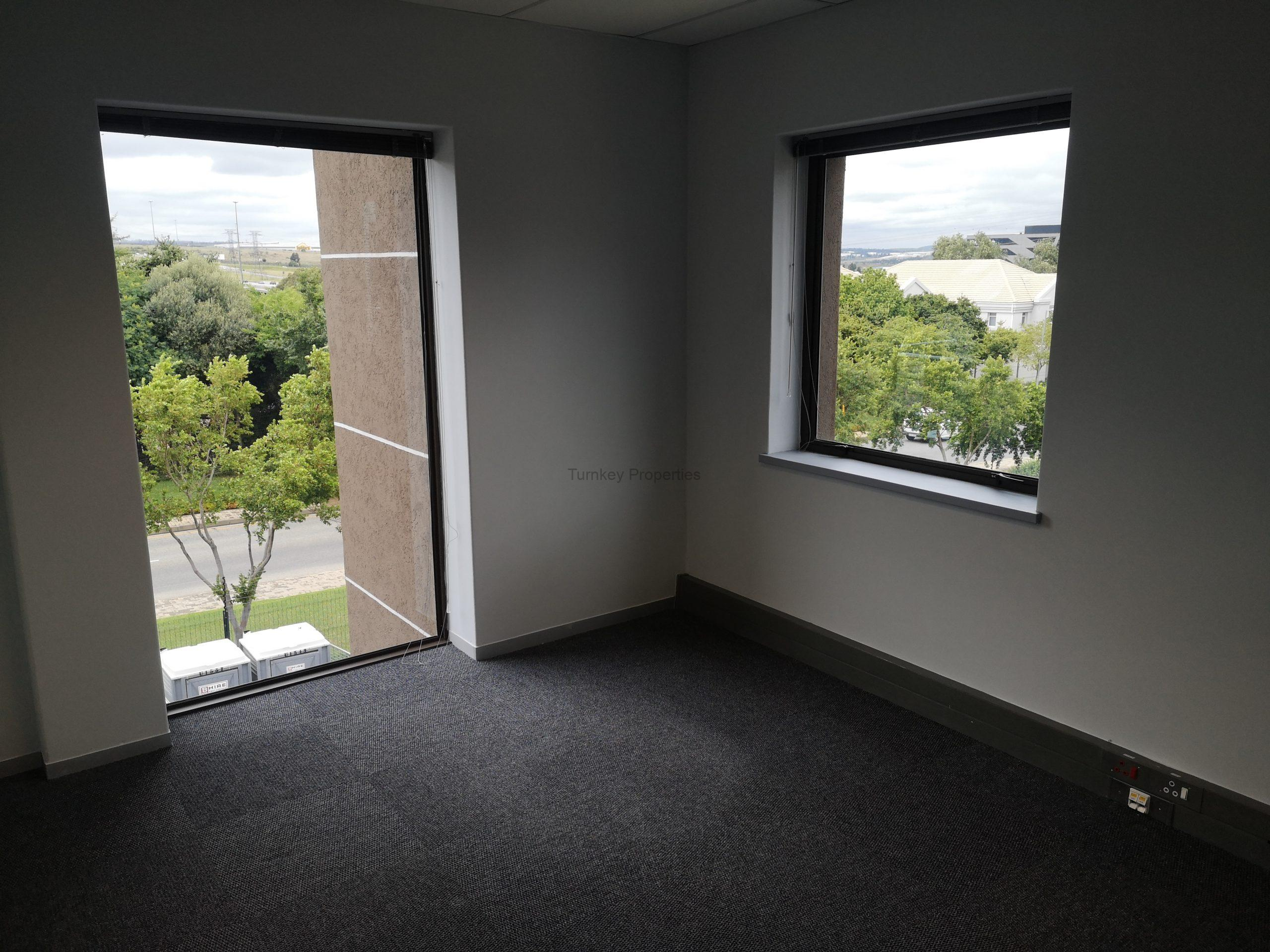 298m² Office Space to Rent Midrand Hertford Office Park