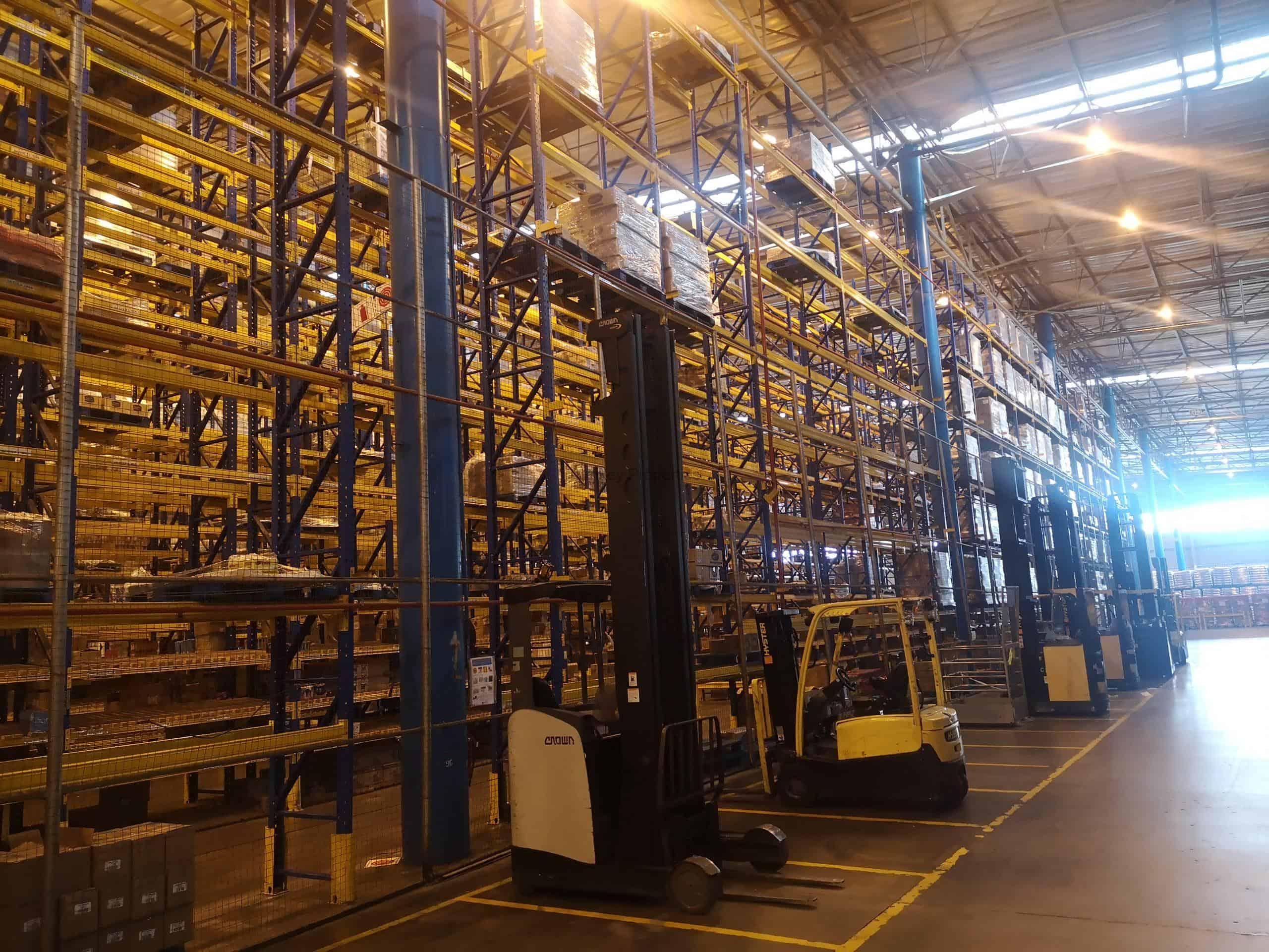 33000 m² Warehouse space to Rent Denver 65 Mimetes