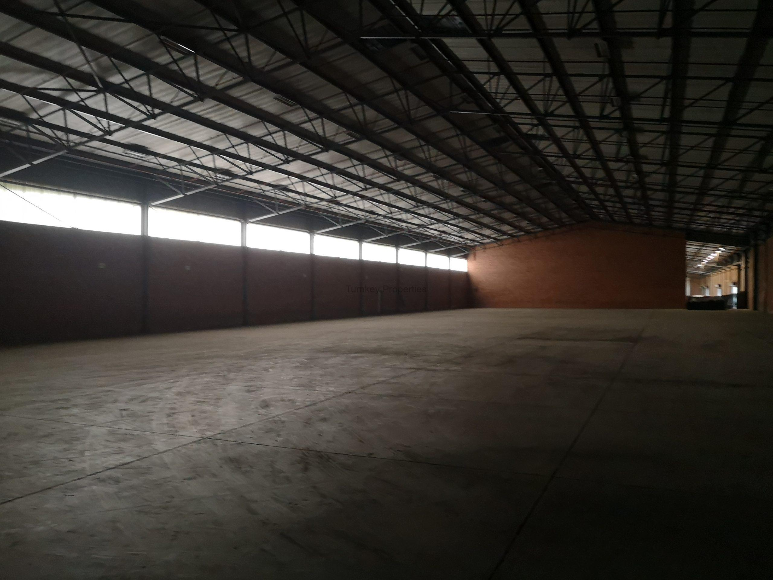 5400m² Warehoues to  Rent Pomona 84 Maple