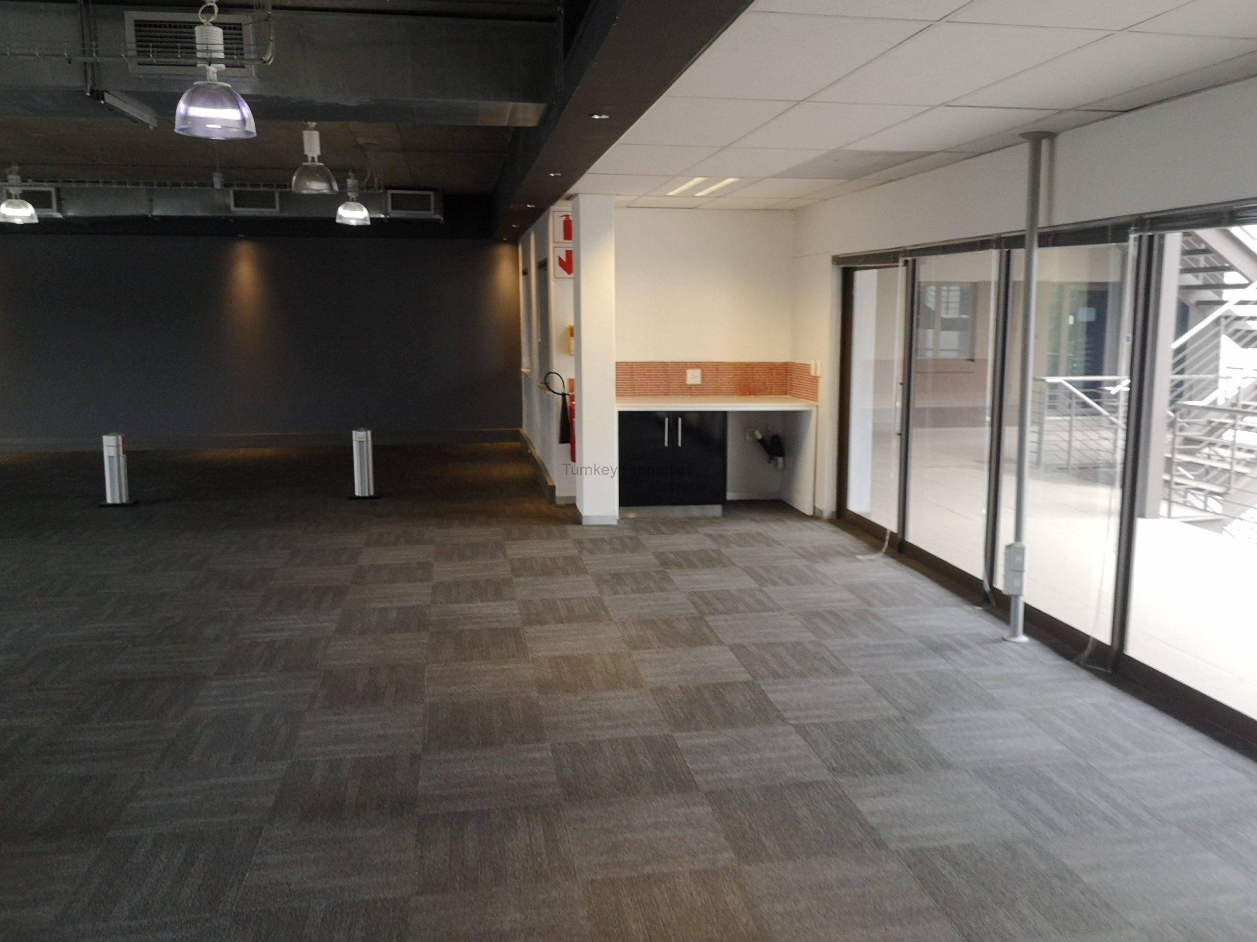 638m² Office Space to Rent Midrand Hertford Office Park