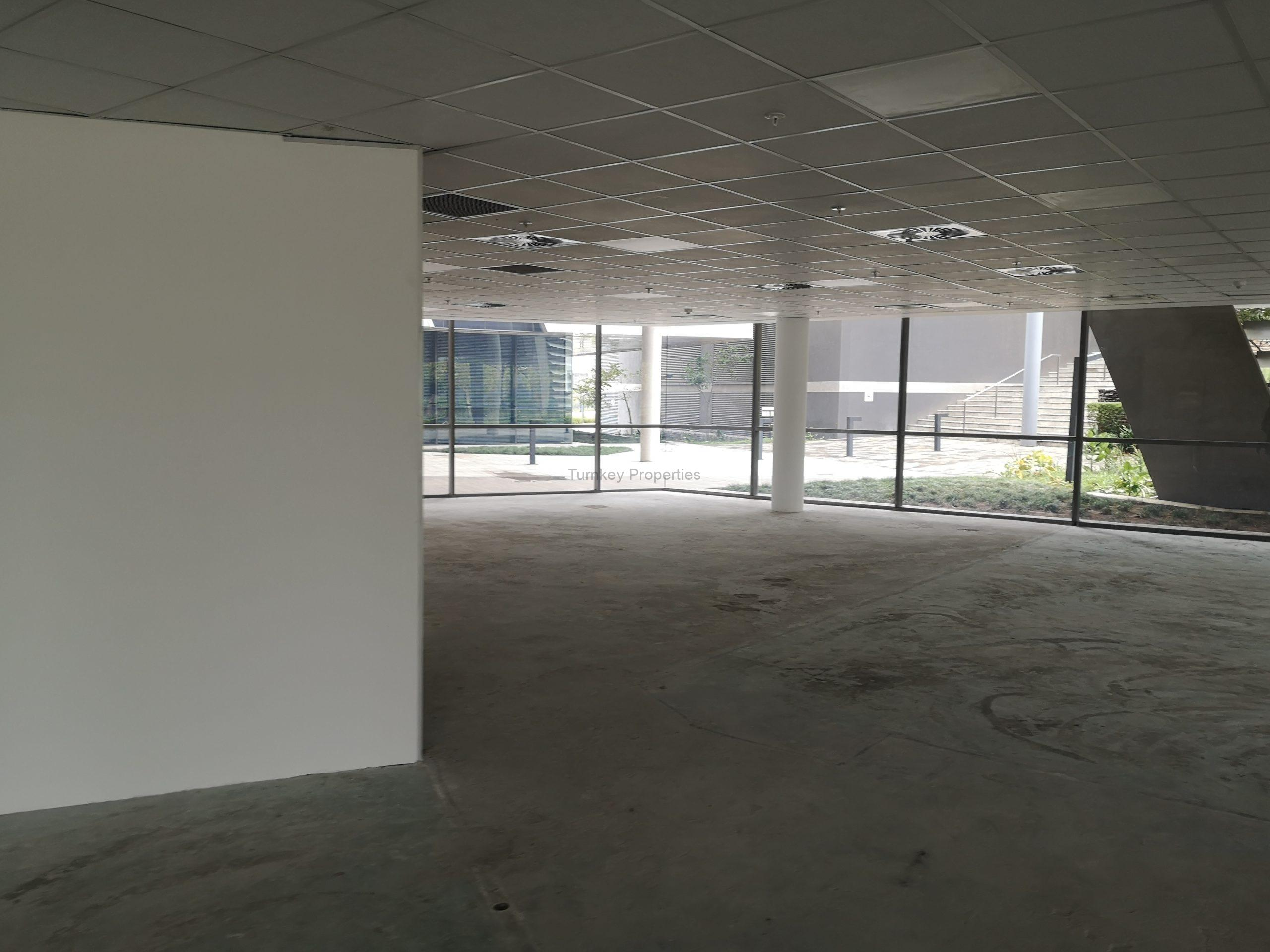 568m² Office Space to Rent Midrand Allandale Building