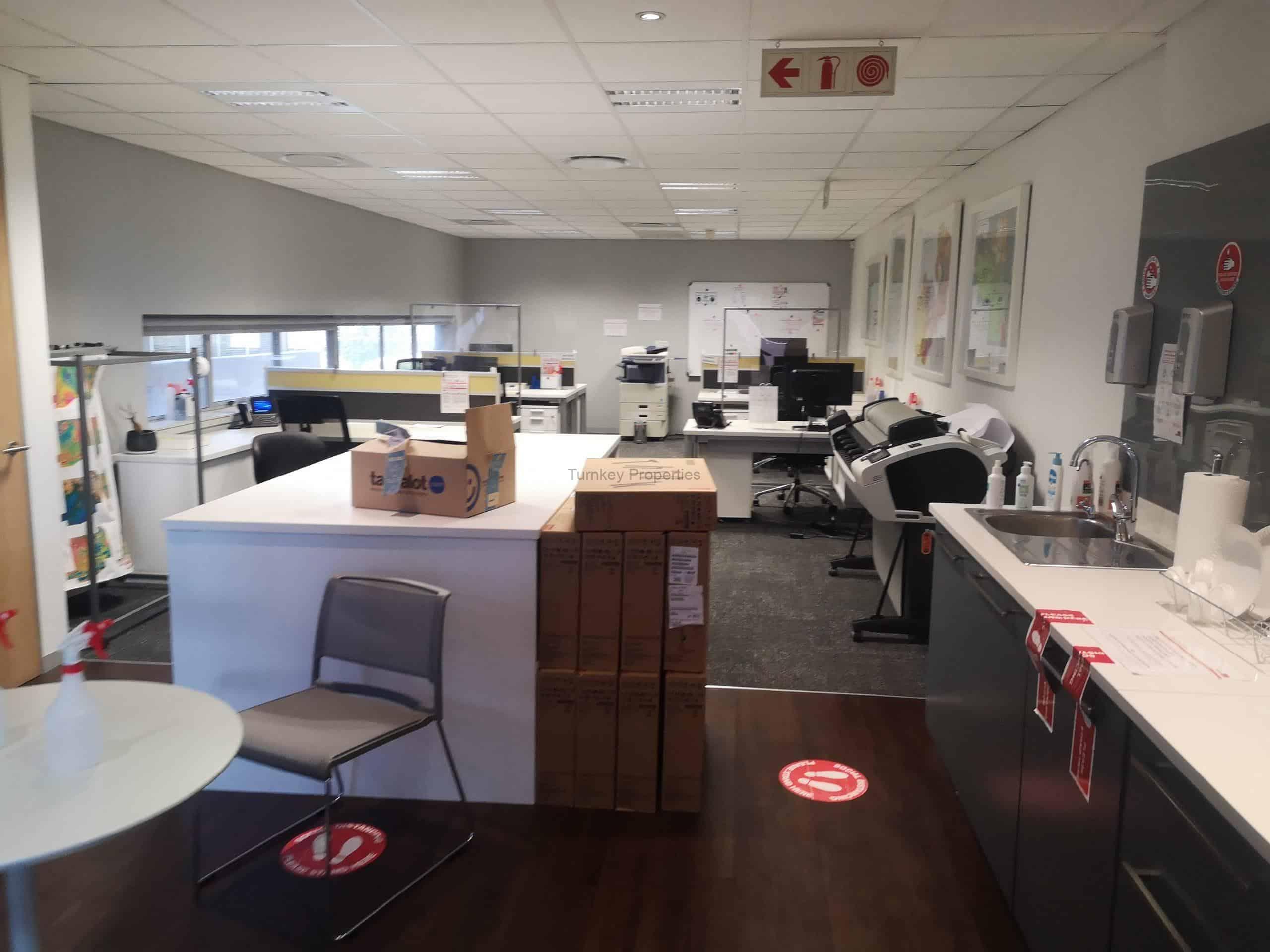 321 m² Office Space to Rent Rosebank Oxford Corner
