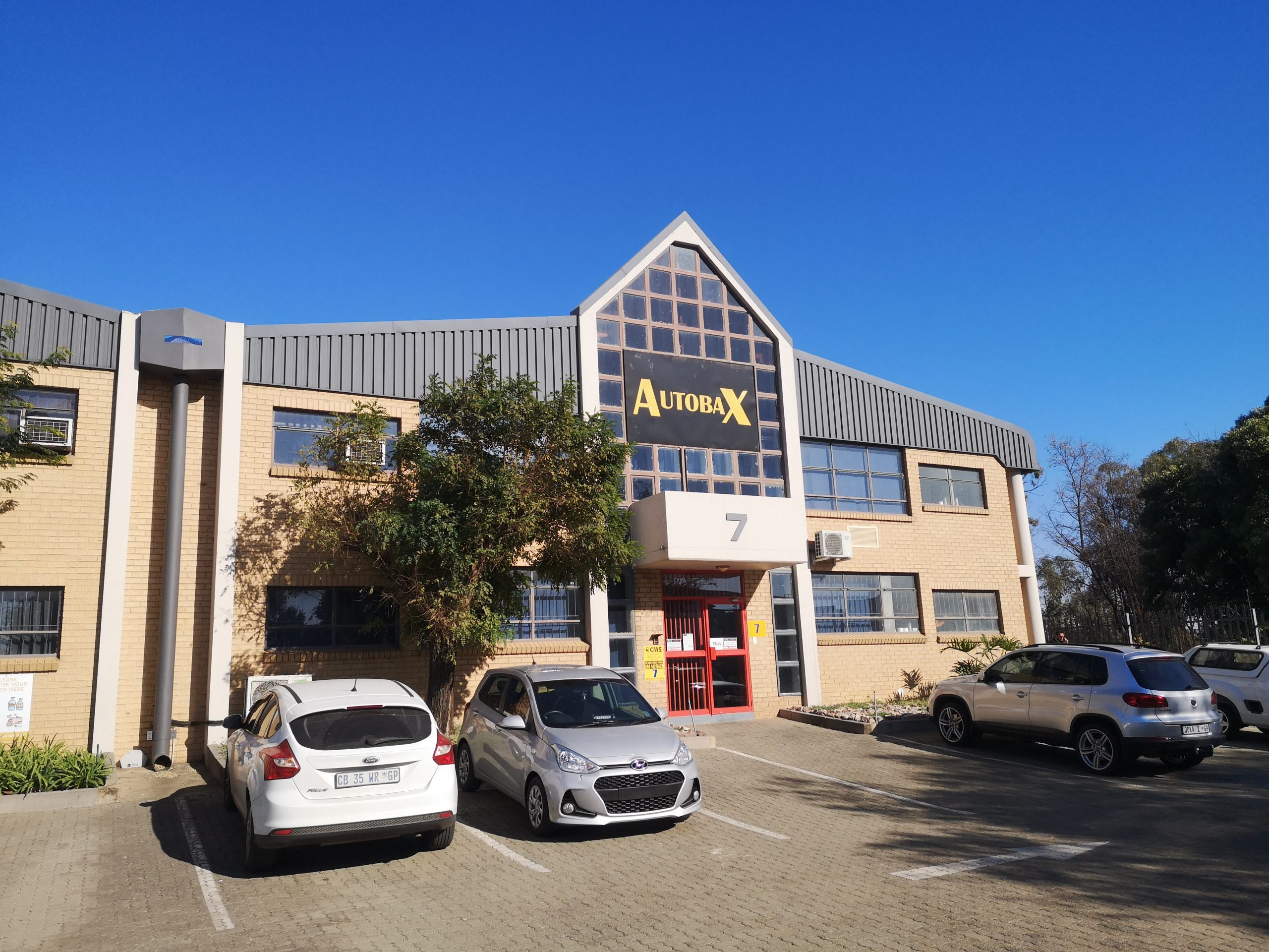 1384m² Industrial Property To Rent Jet Park Industrial Village