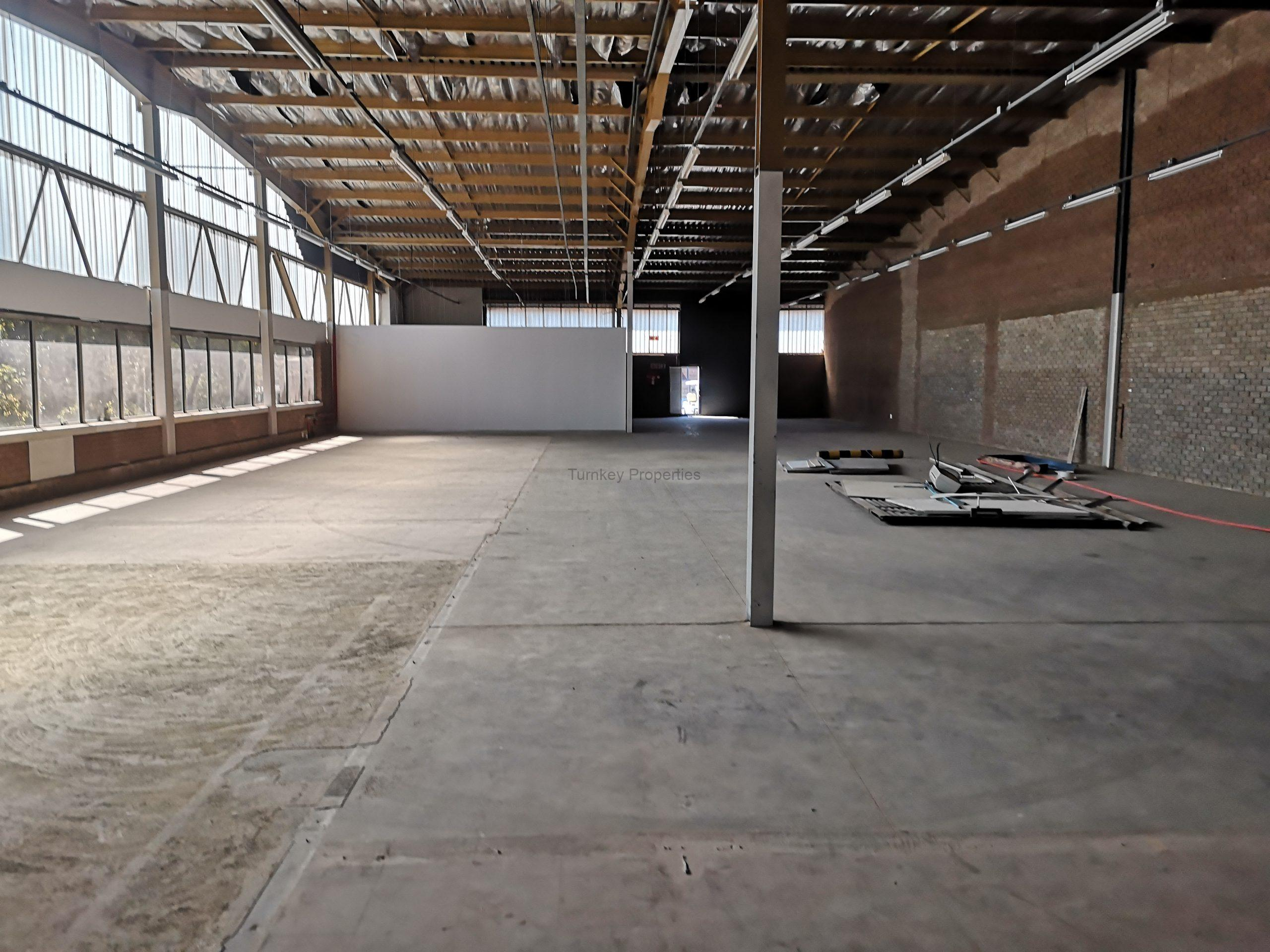 721m² Warehouse  to Rent Midrand Growthpoint Business Park