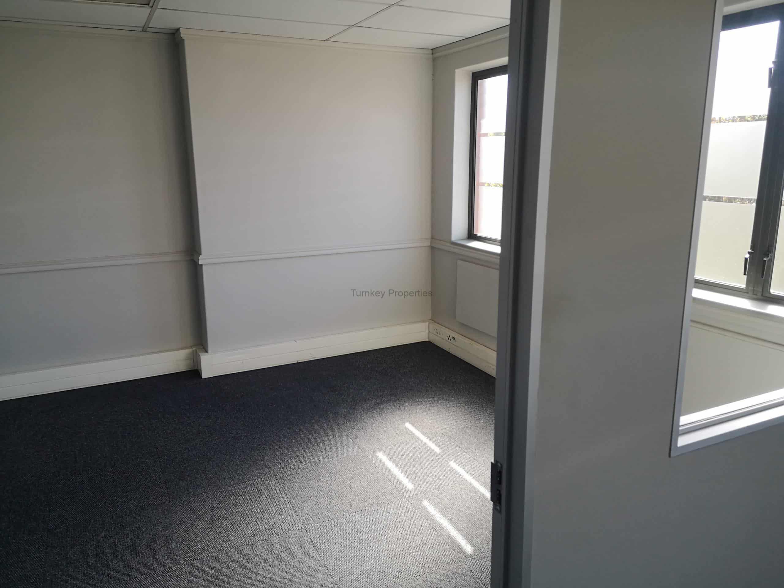 464m² warehouse to let midrand Tillbury Business park